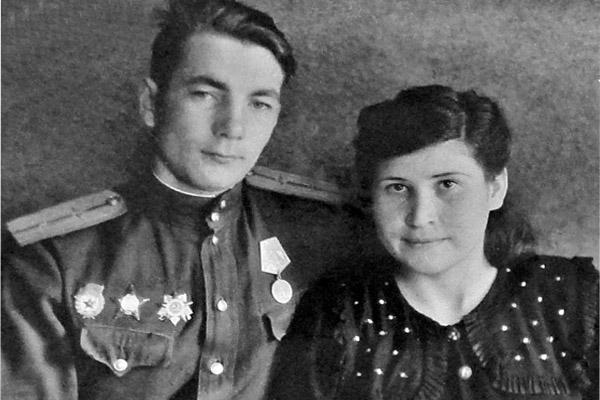 В.И. Манышев с женой