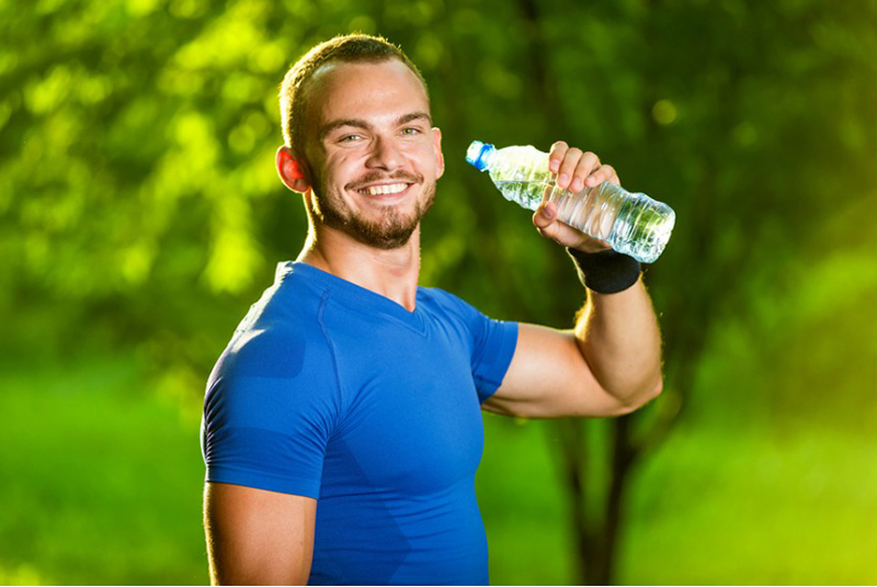Важно пить достаточно жидкости.