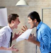 Если коллеги пытаются втянуть вас в их спор