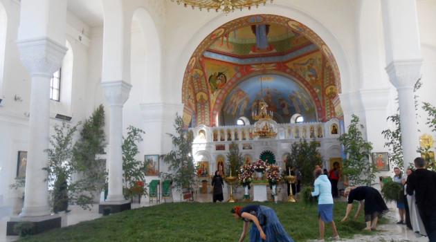 Серафимовичский женский монастырь готовится к Троице. 26 мая 2018 года