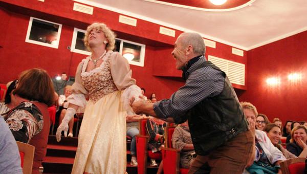 Камышинские артисты вернулись из Тольятти: с 13 по 15 сентября они покоряли сцену Молодежного драматического